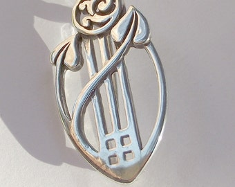 Vintage  Art nouveau style sterling silver brooch. Charles Rennie Mackintosh style. Glasgow rose. Scottish