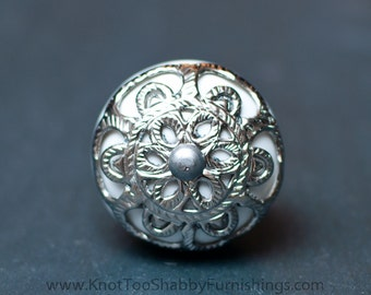 Strewn Metal Ceramic White Knob
