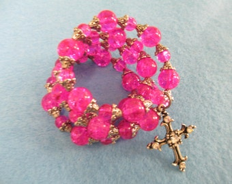 Bracelet Jewelry memory wire hot pink glass beaded bracelet with cross charm