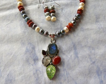 17 Inch Labradorite and Green Crystal Pendant Necklae with Earrings