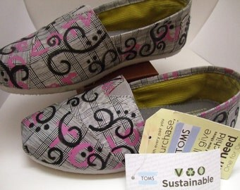 VEGAN friendly SUSTAINABLE Painted TOMS size 7.5
