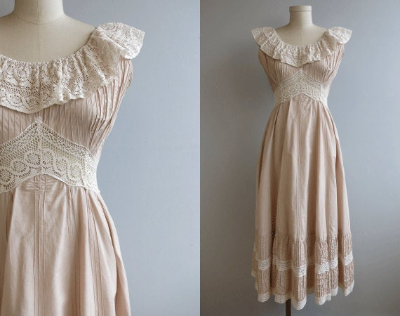 Vintage Mexican Lace Dress / Dusty Blush Pink and Cream Lace