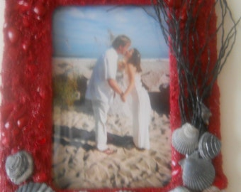 Sailor's Valentine, Red Tide 4x6 or 6x4 Frame with Carolina Beach Sand and Sea Shells with black raffia as fake sea oats