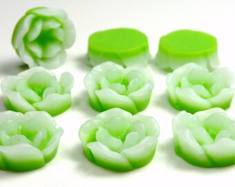 13mm Green and White 10 Petal Flower Resin Cabochons - 10pcs - Flat Back Cabs, Flat Round