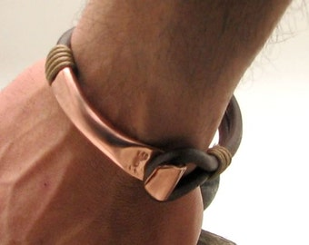 EXPRESS SHIPPING Copper bracelet.. Men's leather bracelet. Brown leather multi strand men's bangle bracelet with hammered copper clasp.