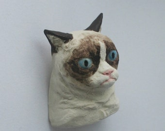 Grumpy Cat Brooch, Glazed Porcelain Co-meme-orative Miniature
