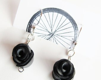 Black Rose Earrings - Recycled Jewelry - handmade - bike - bicycle - innertubes