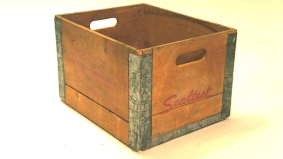 vintage wooden sealtest milk crate. Black Bedroom Furniture Sets. Home Design Ideas