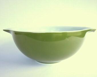 SALE - Vintage 1960s Verde Pyrex Mixing Bowl, Olive Green 2.5 Quart Cinderella Batter Bowl, 443