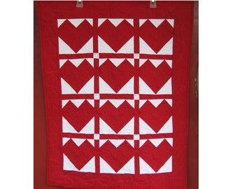 classic red and white quilt, textile art quilt,  quilted wall hanging, home decor, heart quilt
