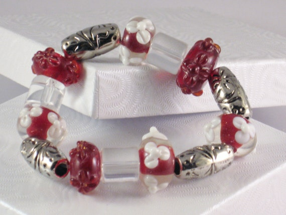 Beaded, Stretch Bracelet in Red and Silver