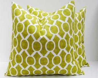 Green Pillow .Pillow Sets.Green Pillow Cover.Lime Green Pillow.16x16 inch.Housewares.Home Decor.Printed fabric on front and back
