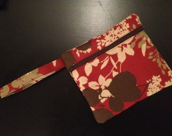 Boat'n Beaches Water Resistant Wristlet  Zippered Purse Red Floral