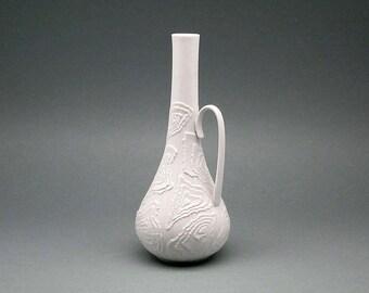 Vintage bisque porcelain Op Art Kaiser handled vase (1960s)