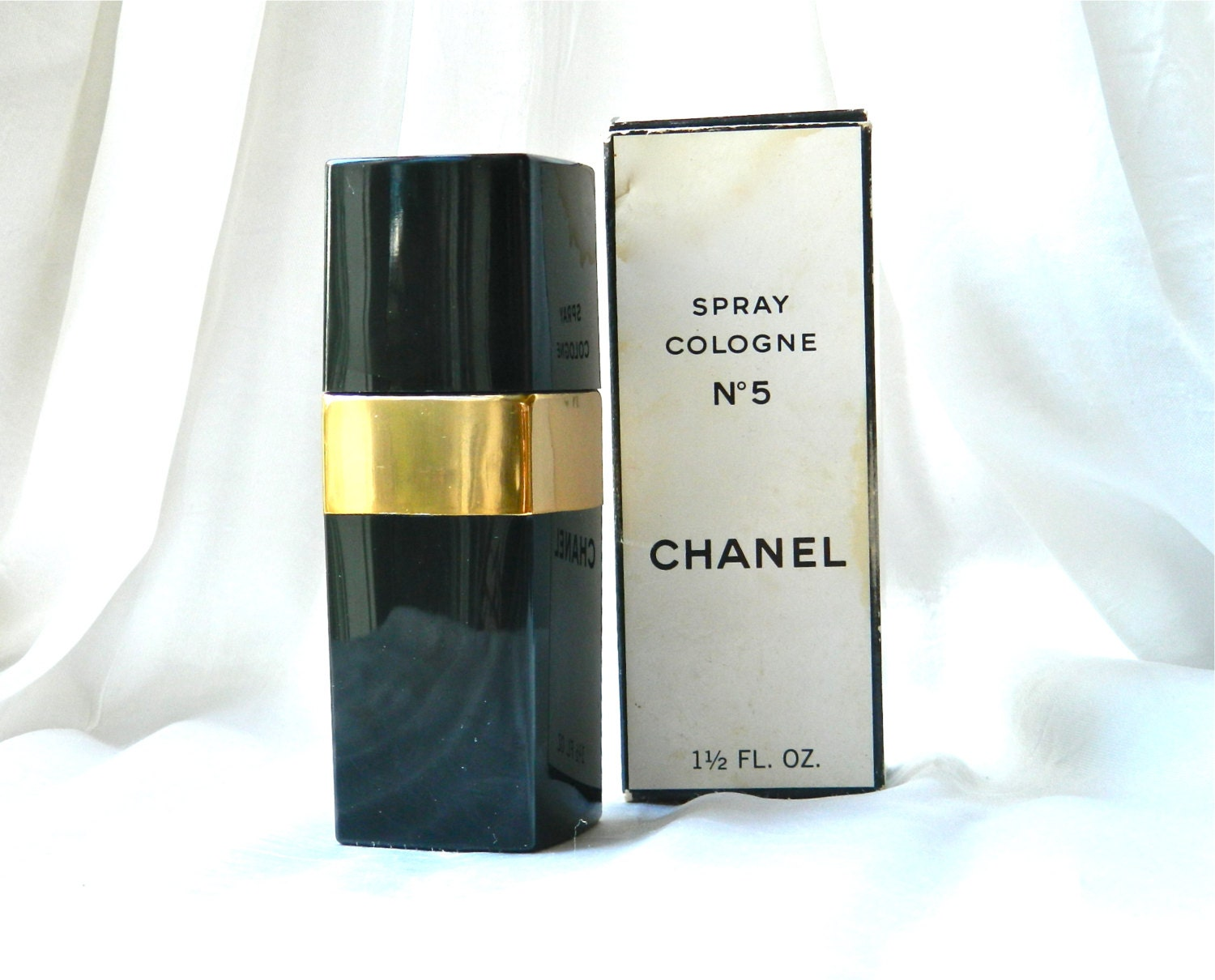 vintage chanel no 5 natural spray 1 5 oz perfume refillable. Black Bedroom Furniture Sets. Home Design Ideas