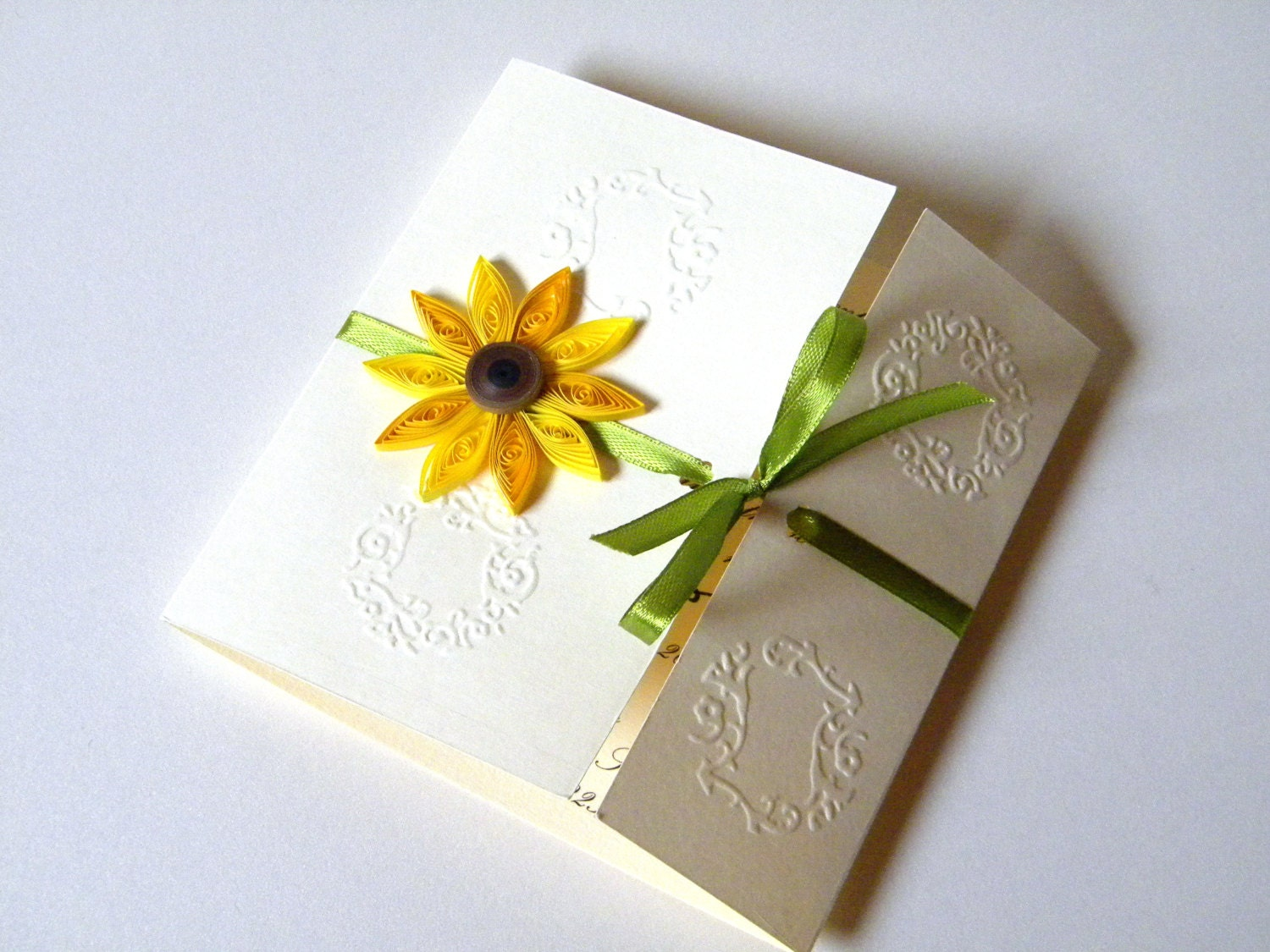 Cheap Sunflower Wedding Invitations: Sunflower Wedding Invitation / Sunflower Card / By ZannaPaper