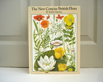 Illustrated Reference Book  Vintage Book of British Flora