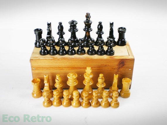 Vintage Wooden Chess Set with Nice Lacquered finish in Original Box