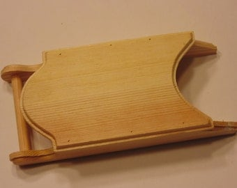 wood sled, 7 x 3 inches