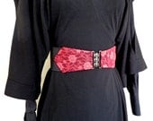 Black and pink elasticated cinch belt with gunmetal clasp