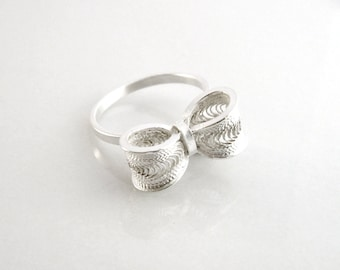 Bow Silver Ring /  Silver Filigree Bow / Silver Bowtie Ring.