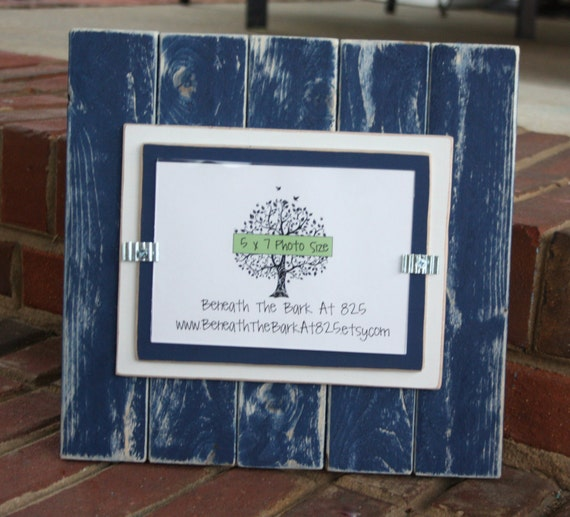 picture frame distressed wood vertical boards holds a 5x7 photo navy blue white from. Black Bedroom Furniture Sets. Home Design Ideas