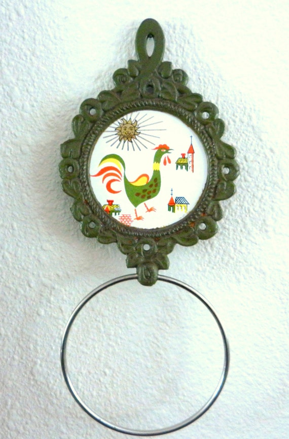 Vintage Cast Iron Wall Trivet with Towel Ring, Cast Iron Ceramic Rooster Tile Wall Trivet, 1960s - 1970s
