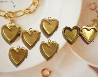 6 Vintage Brass 19mm Heart Lockets