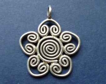 HT-18 Karen Thai Hill Tribe Silver Flower Pendant / Charm