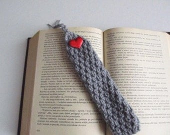 Grey Knit Bookmark, Red heart,Valentines gifts,  Bookmark in Gray color , gift under 10, Christmas gift ,CHOOSE YOUR COLOR