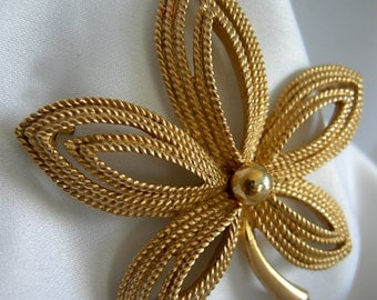 Gold Tone Five Leaf Design Brooch Pin - Signed CROWN TRIFARI Copyright - Vintage 1955 - Late 1960s