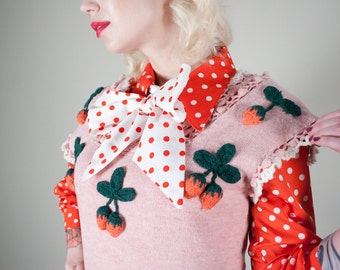 1950s Hand Knit Spring Pink Strawberry Sweater