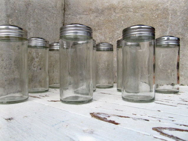 11 glass spice jars silver lids small apothecary storage. Black Bedroom Furniture Sets. Home Design Ideas