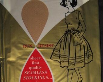 Vintage Glamalon First Quality Seamless Mesh Nylon Stockings 9 1/2 Beige SALE