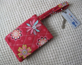 quilted fabric wallet/gift card holder/credit card organizer/business card case in flowers on dark pink