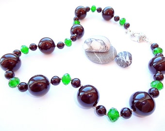 Black Onyx Necklace, Green Glass Beads Necklace, Beaded Necklace, OOAK, Ready to ship