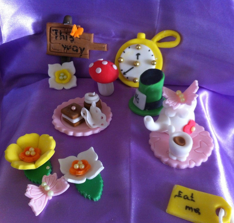 edible fondant Alice in Wonderland inspiredl cupcake topper
