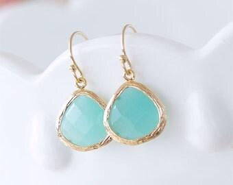 Aqua Earrings in Gold - Gold Filled Earwires - Aqua Blue Drop Earrings - Aqua Blue Jewelry - Gifts, Bridesmaid Earrings Gift