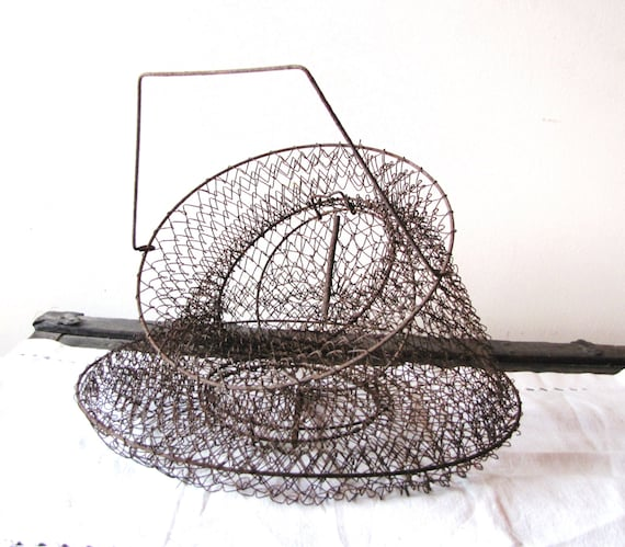 Vintage Rusty Wire Crab Trap / Basket Seaside / Ocean / Beach