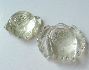Quartz carved pendant bead