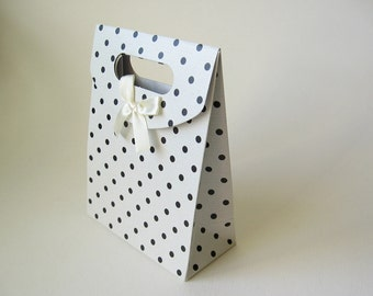 3 polka dot gift box bags