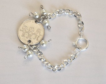 GIFT for MOM Specialty Coin Bracelet, Canadian Quarter celebrating Kids, Families, Silver chain link bracelet, 6 quality pearls, small
