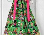 Pillowcase dress featuring Snoopy, Charlie Brown and the Gang, Yellow dot border :E003