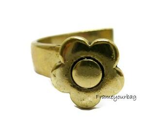1 - ZAMAK  Middle bracelet flower . Antique Golden. Hole: 8.5mmx  2.5mm.( ZK230)