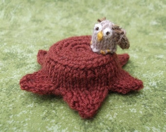 Knitted owl pin cushion