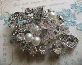 Love portion Victorian pearls and rhinestone crystals wedding bridal bridesmaids flower girls brooch pin