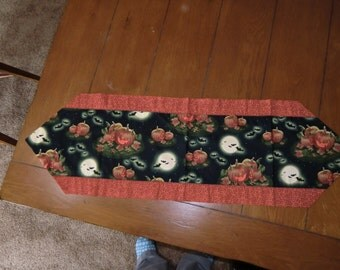 Table Runner - Halloween - Pumpkins, Bats, Moon