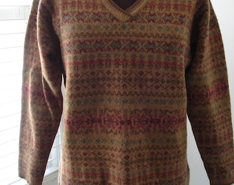 """Vintage Woolrich Tan Sweater with Aztec Pattern 36"""" Bust"""