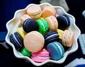 Le Bonbon French Macaron Sampler Pack 12 Assorted French Macarons