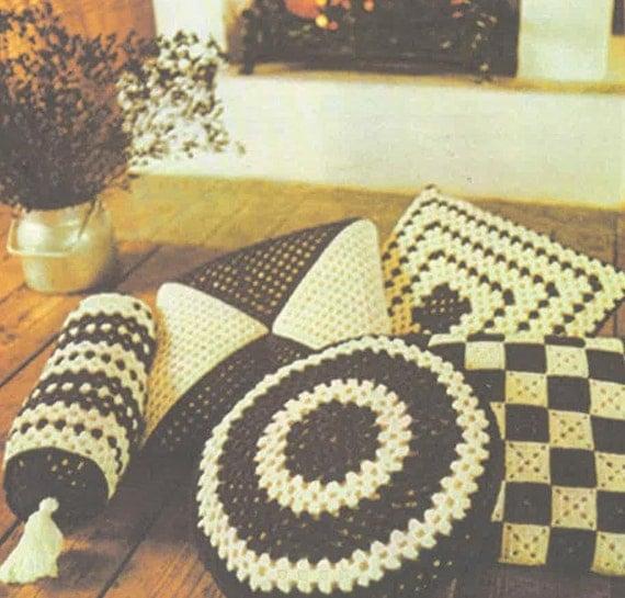 Floor Cushions Pattern : Crochet Pattern Cushions Floor Cushions Round Cushion